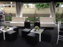 2 Seated sofa white